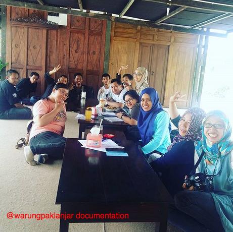 Blogger Jogja di Warung Pak Lanjar