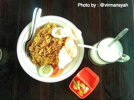 Warung Pak Lanjar, Kuliner di Tengah Sejuknya Perkampungan Jawa