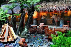 Kampung Daun - Tempat Makan Paling Enak di Bandung