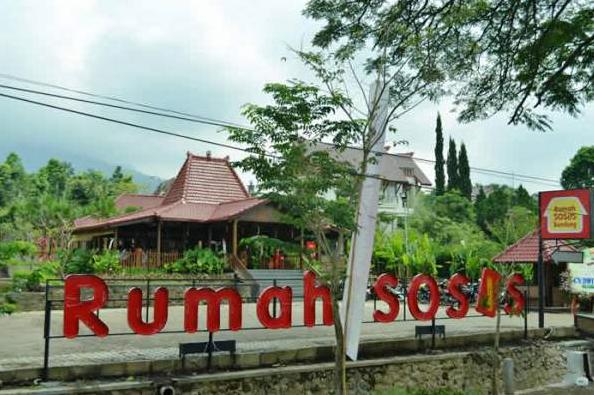 Rumah Sosis - Tempat Makan Paling Enak di Bandung