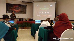 Mas Joko Soemitro Mempresentasikan Produk ASUS ROG G752VS
