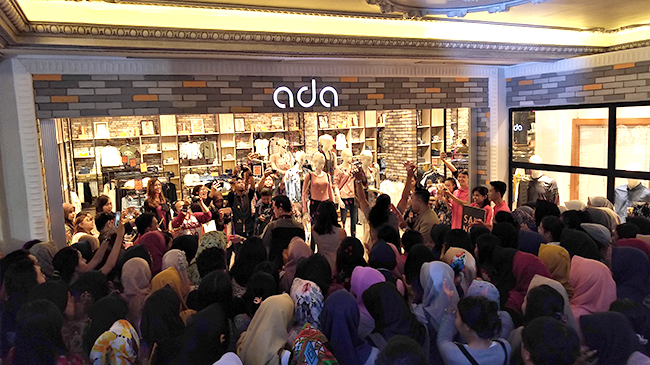 Keramaian di Ada Store Jogja City Mall