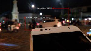 Bagian Atas ASUS ZenFone 4 Selfie